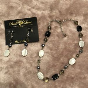 Mother of Pearl necklace & earrings.